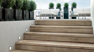 Escalier carrelé sur mesure réalisé par logis décor